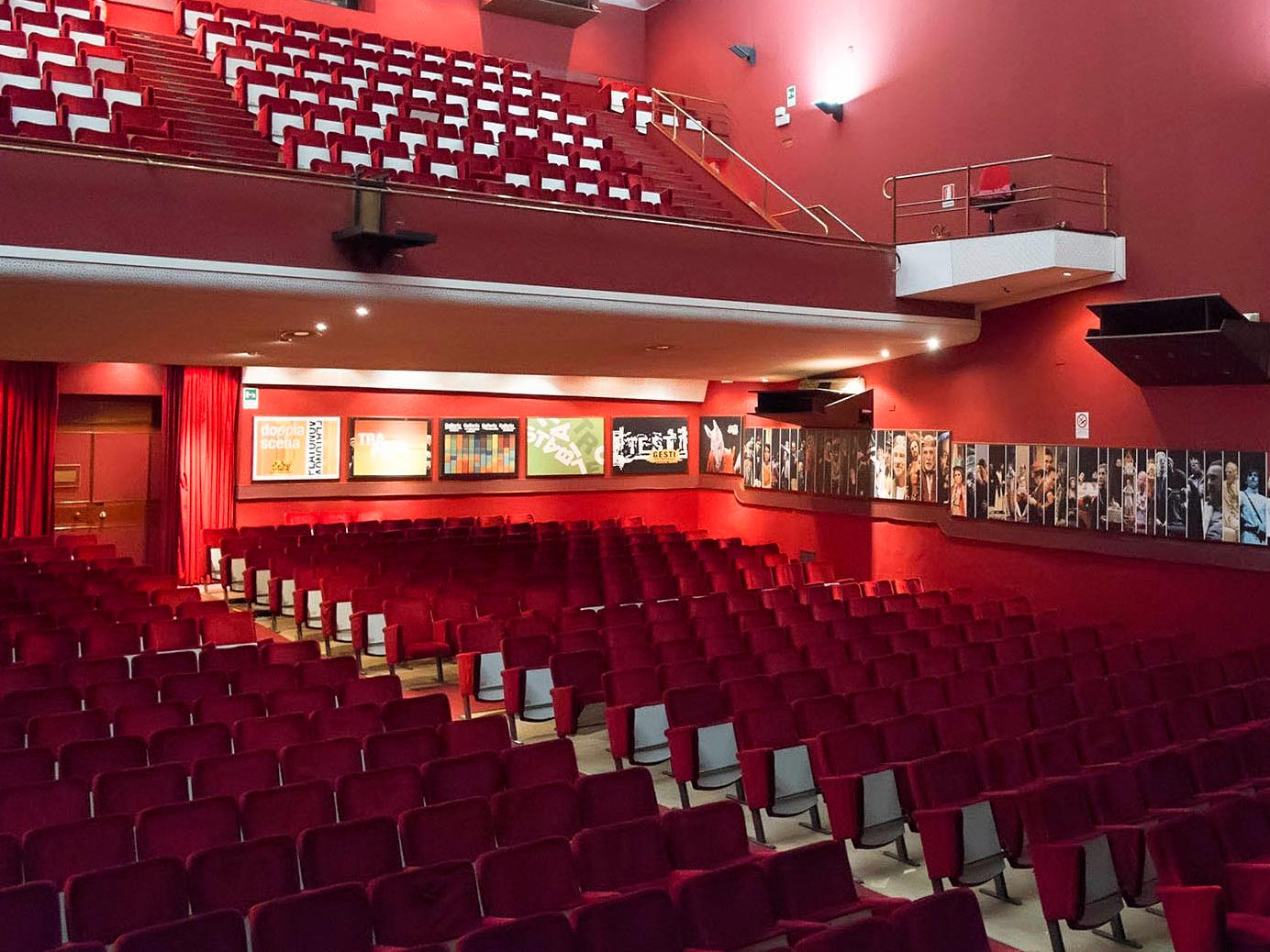 interno-teatro-verga (2)