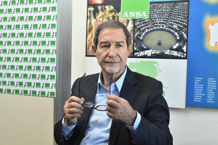 Il candidato del centrodestra alla presidenza della Regione siciliana, Nello Musumeci, partecipa a un Forum dell'ANSA, Palermo, 24 ottobre 2017. ANSA/MIKE PALAZZOTTO