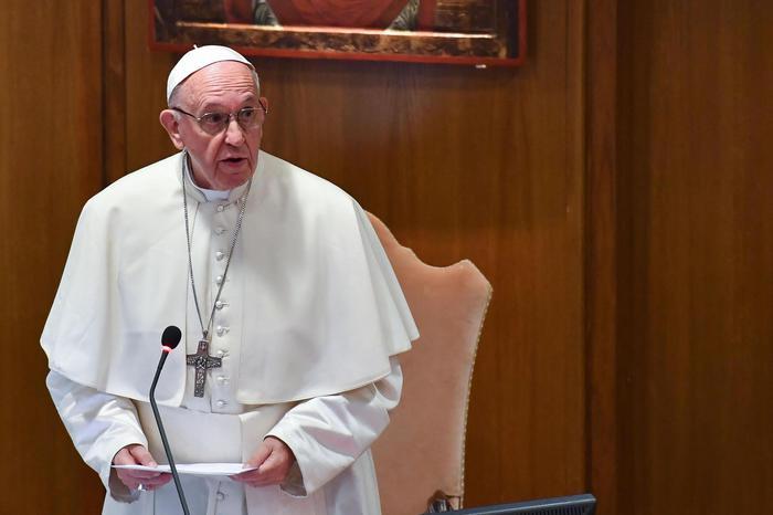 Il Papa: l'aborto non è un atto civile, come affittare un sicario