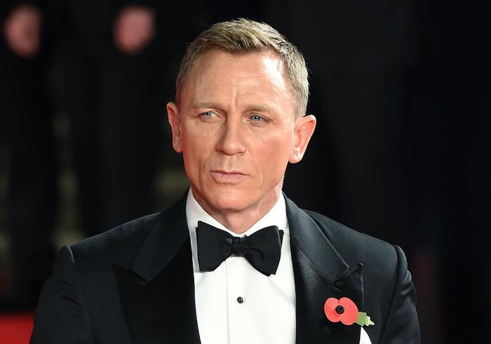 epa06146979 (FILE) - British actor/cast member Daniel Craig attends the world premiere of the new James Bond film 'Spectre' at the Royal Albert Hall in London, Britain, 26 October 2015(reissued 16 August 2017). According to media reports on 16 August 2017, Daniel Craig confirmed that he will again take over the main role in the new James Bond movie to be released in November 2019.  EPA/ANDY RAIN