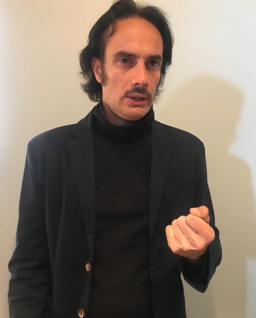 """Alla Sala Chaplin """"Una lunga attesa"""" il nuovo spettacolo di Nicola Costa"""