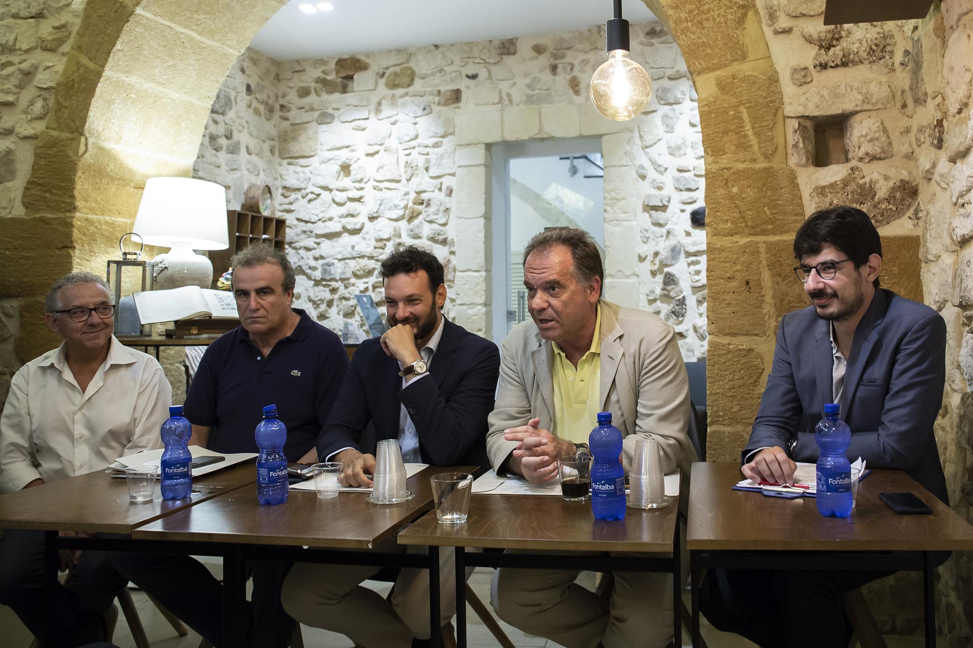 da sn Carlo Gilistro, Fabio Granata, Francesco Italia, Alessandro Cecchi Paone, Giorgio Romeo