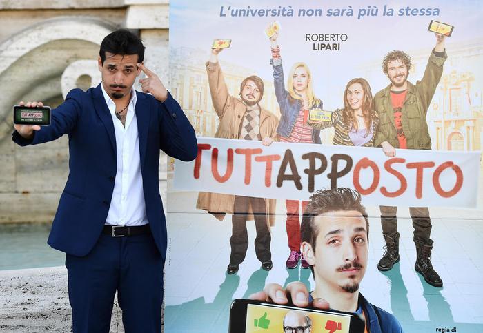 L'attore Roberto Lipari durante il photocall del film ''Tuttapposto'', Roma, 27 settembre 2019.   ANSA / ETTORE FERRARI