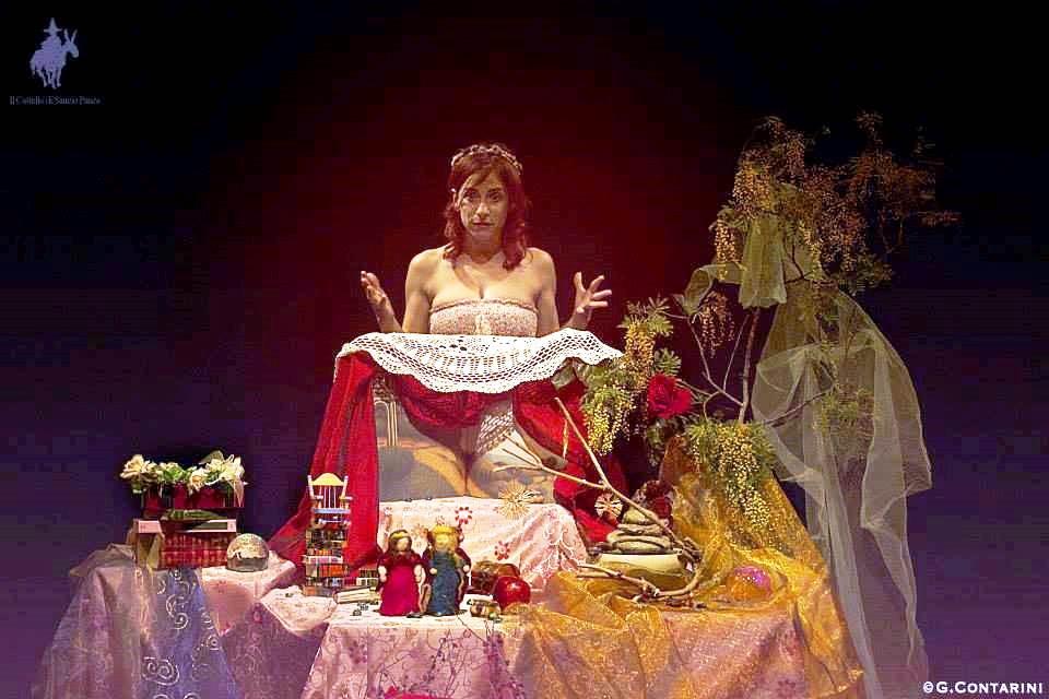 """""""Rosaspina"""" un viaggio tra racconti, leggende e mondi fatati fatto di bambole e attori"""