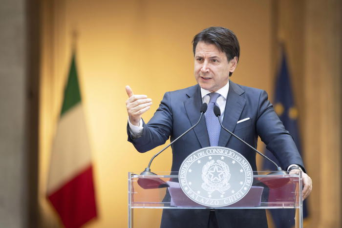 epa08463346 A handout photo made available by Palazzo Chigi shows Italian Prime Minister, Giuseppe Conte, during a press conference on the day of the reopening of borders between the Regions amid an easing of restrictions during Phase 2 of the Covid-19 Coronavirus emergency, a fundamental step for the resumption of activities in the Country, at the Chigi Palace in Rome, Italy, 03 June 2020.  EPA/FILIPPO ATTILI / CHIGI PALACE HANDOUT  HANDOUT EDITORIAL USE ONLY/NO SALES